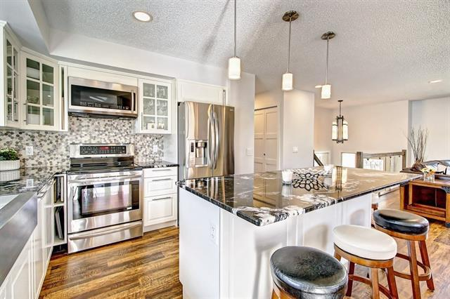 304 Braniff Place SW, Calgary, AB T2W 1R7 (#C4193022) :: Your Calgary Real Estate