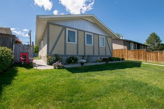 87 Pensville Road SE, Calgary, AB T2A 4K3 (#C4193101) :: Tonkinson Real Estate Team