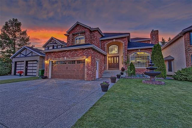 7012 Christie Briar Manor SW, Calgary, AB T3H 2R3 (#C4193296) :: Tonkinson Real Estate Team