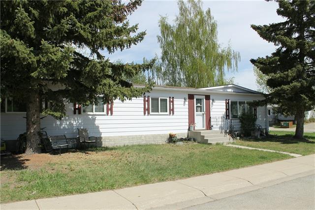 809 Bay Road, Strathmore, AB T1P 1E3 (#C4193399) :: Carolina Paredes - RealHomesCalgary.com