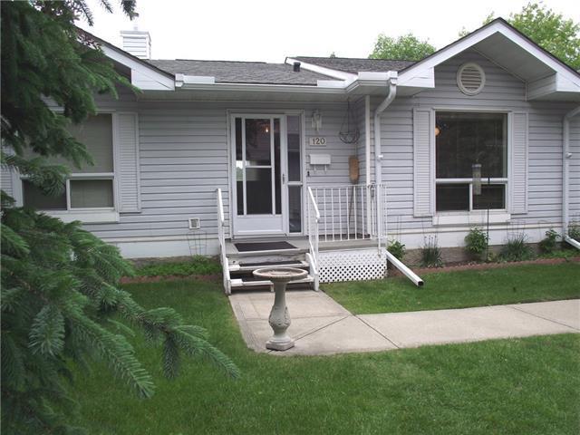 120 Deer Ridge Close SE, Calgary, AB T2J 7C2 (#C4193451) :: Canmore & Banff