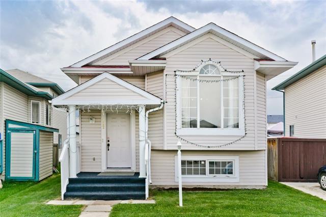 222 Saratoga Close NE, Calgary, AB T1Y 6Z9 (#C4193719) :: Carolina Paredes - RealHomesCalgary.com