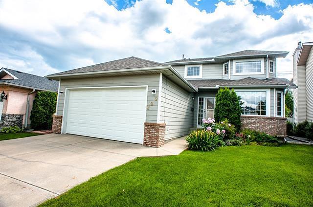 289 Sunmills Drive SE, Calgary, AB T2X 3E6 (#C4193735) :: Tonkinson Real Estate Team