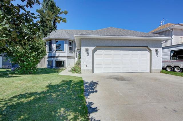 72 Green Meadow Drive, Strathmore, AB T1P 1L6 (#C4193743) :: Redline Real Estate Group Inc