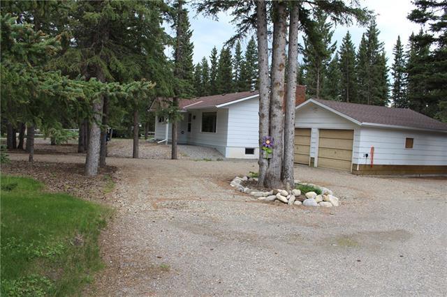 7 Spruce Avenue, Bragg Creek, AB T0L 0K0 (#C4193786) :: Canmore & Banff