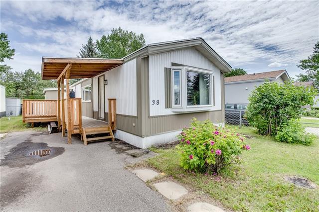 9090 24 Street SE #38, Calgary, AB T2C 2H4 (#C4193821) :: Tonkinson Real Estate Team