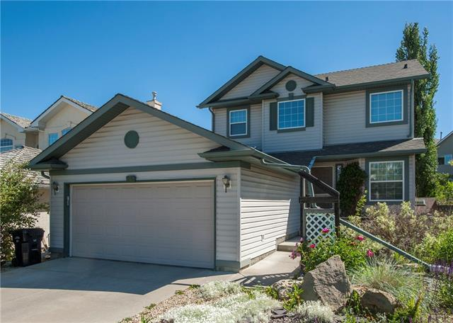 26 Valley Ponds Crescent NW, Calgary, AB T3B 5T6 (#C4193889) :: The Cliff Stevenson Group