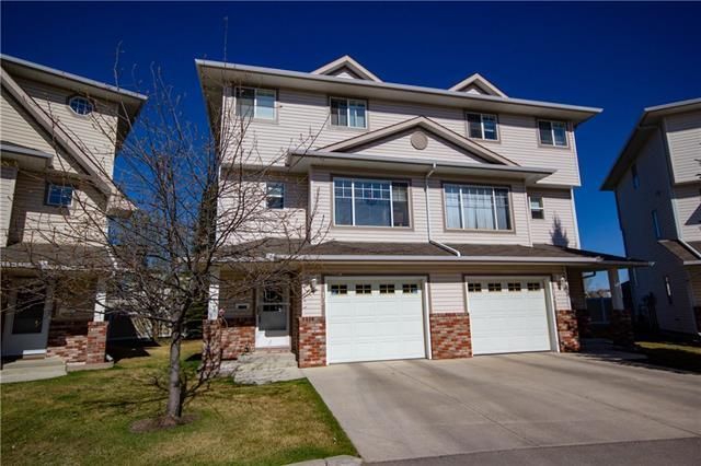 12 Country Hills Cove NW, Calgary, AB T3K 5G7 (#C4193913) :: Tonkinson Real Estate Team