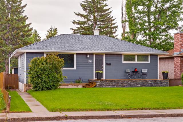 2712 45 Street SW, Calgary, AB T3E 3T4 (#C4193951) :: The Cliff Stevenson Group