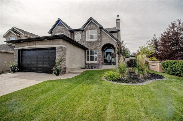 103 Evercreek Bluffs Road SW, Calgary, AB T2Y 4P2 (#C4194055) :: Carolina Paredes - RealHomesCalgary.com
