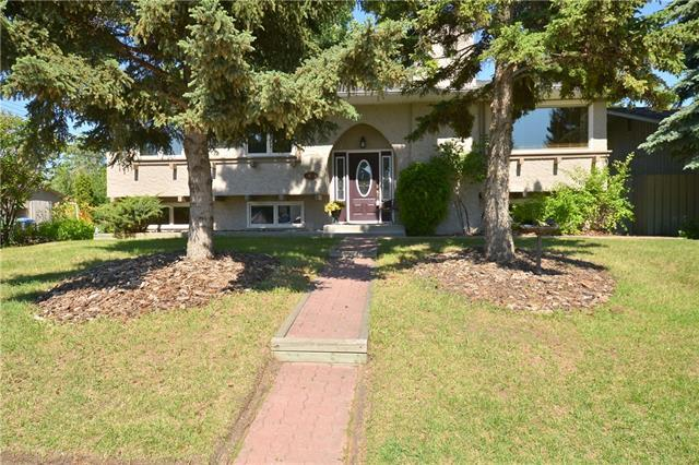 13051 Lake Twintree Road SE, Calgary, AB T2J 2X2 (#C4194061) :: Redline Real Estate Group Inc