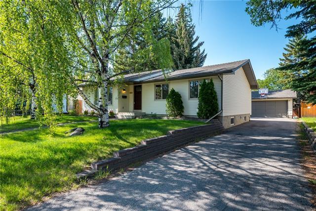 2927 Oakwood Drive SW, Calgary, AB T2V 3Y2 (#C4194178) :: Carolina Paredes - RealHomesCalgary.com