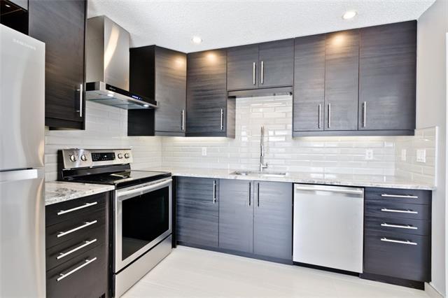 155 Bracewood Way SW, Calgary, AB T2W 3C3 (#C4194507) :: Your Calgary Real Estate