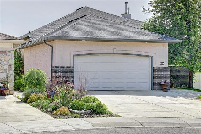 64 Fairways Place NW, Airdrie, AB T4B 2R7 (#C4194513) :: Redline Real Estate Group Inc