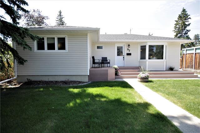 97 Glamorgan Drive SW, Calgary, AB T3E 4Z3 (#C4194557) :: Calgary Homefinders