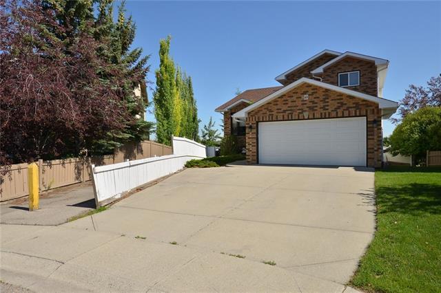 149 Harvest Glen Place NE, Calgary, AB T3K 4J3 (#C4194600) :: Carolina Paredes - RealHomesCalgary.com