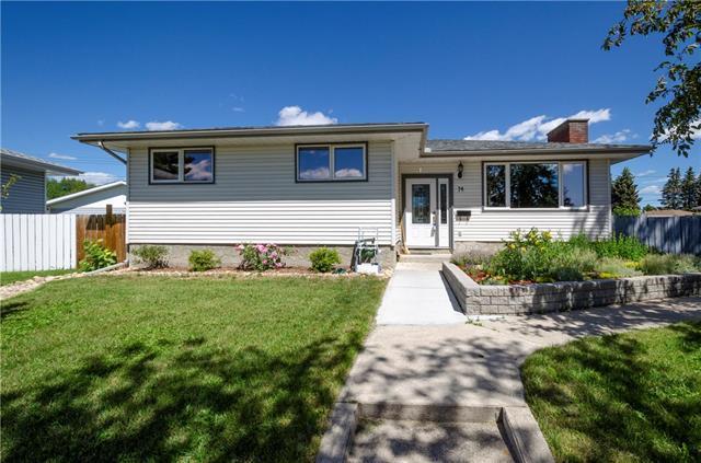 74 Marbrooke Circle NE, Calgary, AB T2A 2W6 (#C4194787) :: Carolina Paredes - RealHomesCalgary.com