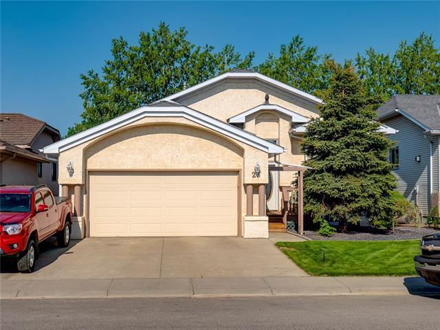 23 Woodside Road NW, Airdrie, AB T4B 2E4 (#C4194803) :: Calgary Homefinders