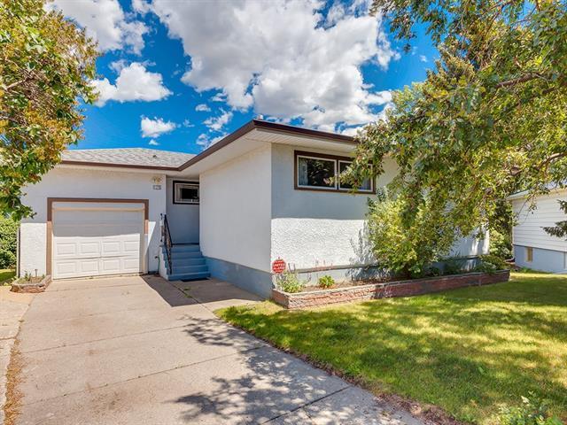128 44 Avenue NE, Calgary, AB T2E 2N8 (#C4194813) :: Tonkinson Real Estate Team