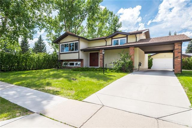 9819 Oakfield Drive SW, Calgary, AB T2V 1R7 (#C4194954) :: Canmore & Banff