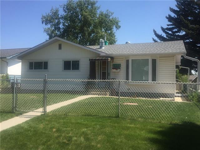 2416 38 Street SE, Calgary, AB T2B 1A1 (#C4194968) :: Tonkinson Real Estate Team