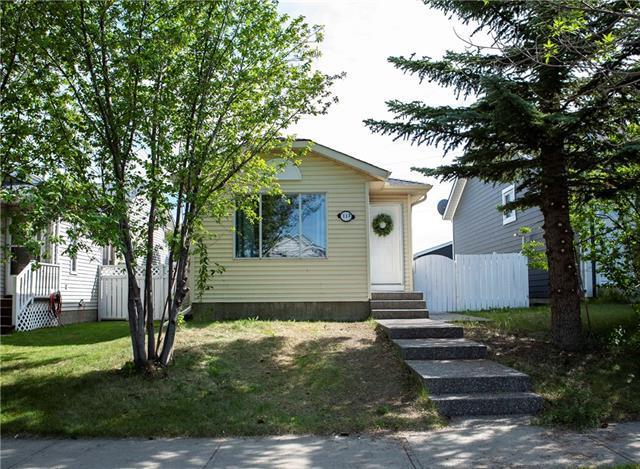 117 Taradale Drive NE, Calgary, AB T3J 2R7 (#C4194977) :: Calgary Homefinders