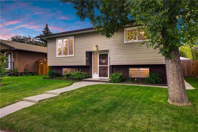 2319 48 Street NE, Calgary, AB T1Y 1A7 (#C4194983) :: Calgary Homefinders