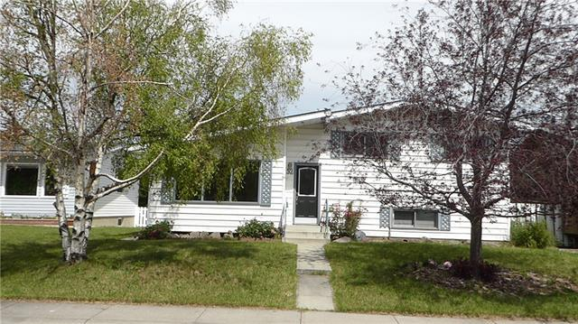 52 Bracebridge Crescent SW, Calgary, AB T2W 0Y7 (#C4195079) :: Your Calgary Real Estate