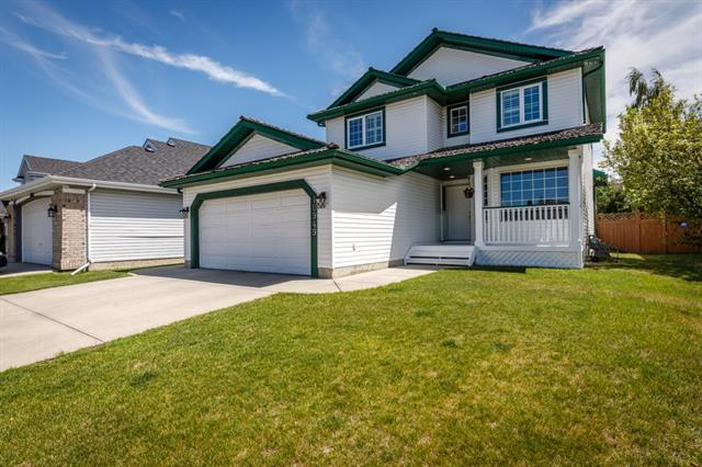 10949 Valley Ridge Drive NW, Calgary, AB T3B 5P6 (#C4195104) :: Calgary Homefinders