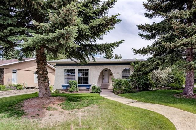 5528 Dalrymple Hill(S) NW, Calgary, AB T3A 1Y3 (#C4195132) :: Tonkinson Real Estate Team