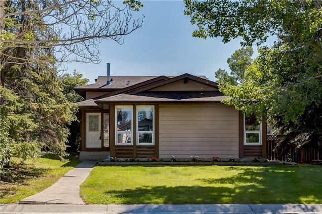 125 Glenhill Drive, Cochrane, AB  (#C4195232) :: Redline Real Estate Group Inc