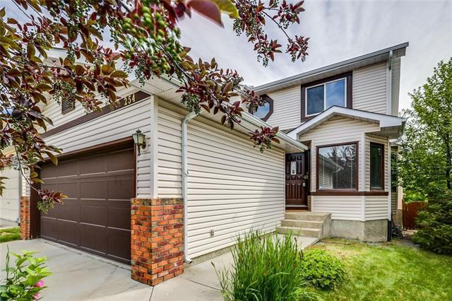 254 Sierra Vista Terrace SW, Calgary, AB T3H 3C4 (#C4195233) :: The Cliff Stevenson Group