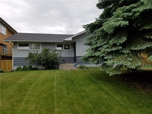 3136 44 Street SW, Calgary, AB T3E 3R6 (#C4195242) :: Calgary Homefinders
