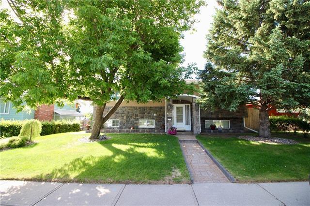 1239 Hunterquay Hill(S) NW, Calgary, AB T2K 4T3 (#C4195359) :: Tonkinson Real Estate Team