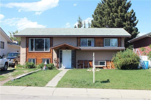 9739 Academy Drive SE, Calgary, AB T2J 1A9 (#C4195390) :: Calgary Homefinders