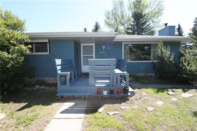12444 Cannes Road SW, Calgary, AB T2W 0H5 (#C4195393) :: Redline Real Estate Group Inc