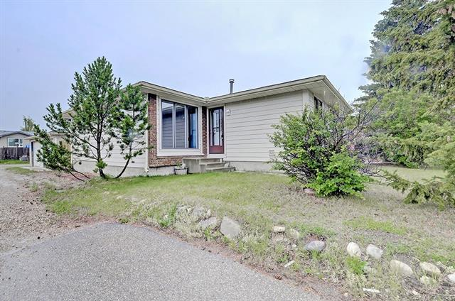 43 Summerwood Road SE, Airdrie, AB T4B 2L3 (#C4195395) :: Redline Real Estate Group Inc