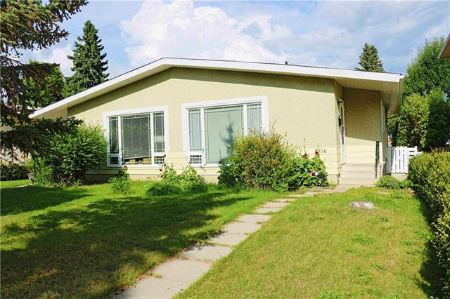 2716 / 2718 17 Street NW, Calgary, AB T2M 3S4 (#C4195473) :: Calgary Homefinders