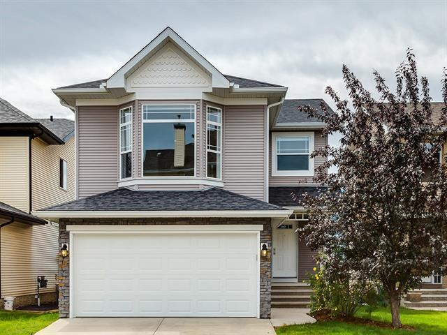 31 Cougar Ridge Court SW, Calgary, AB T3H 5C8 (#C4195480) :: The Cliff Stevenson Group