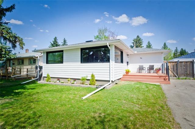 43 Hillgrove Crescent SW, Calgary, AB T2V 3K8 (#C4195516) :: Calgary Homefinders