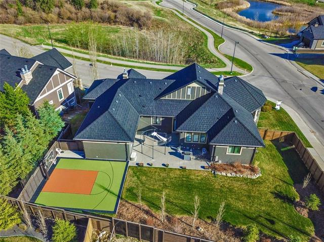 2 Fortress Rise SW, Calgary, AB T3H 4Z2 (#C4195540) :: Tonkinson Real Estate Team
