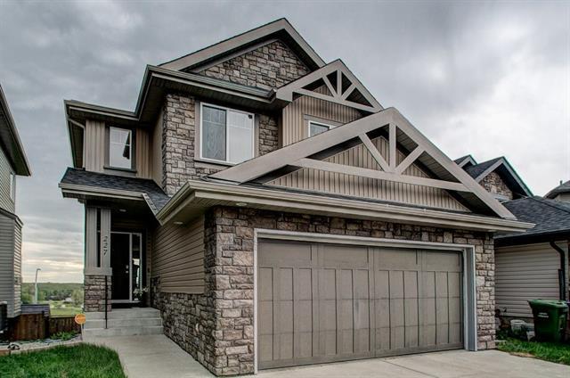 227 St Moritz Terrace SW, Calgary, AB T3H 5X8 (#C4195546) :: Tonkinson Real Estate Team