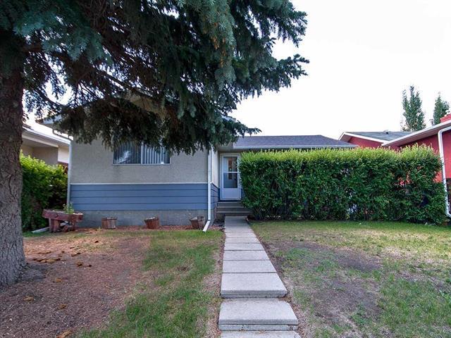 431 72 Avenue NE, Calgary, AB T2K 5H7 (#C4195565) :: Tonkinson Real Estate Team