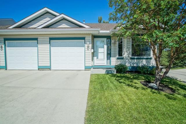 121 Somervale Point(E) SW, Calgary, AB T2Y 3K4 (#C4195663) :: Calgary Homefinders