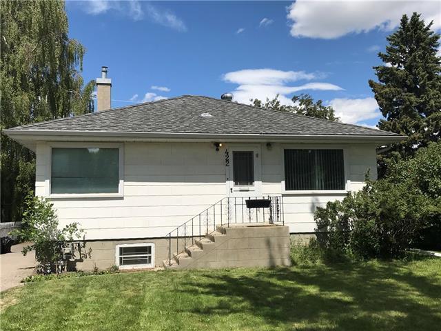 422 36 Avenue NW, Calgary, AB T2K 0C3 (#C4195693) :: Tonkinson Real Estate Team