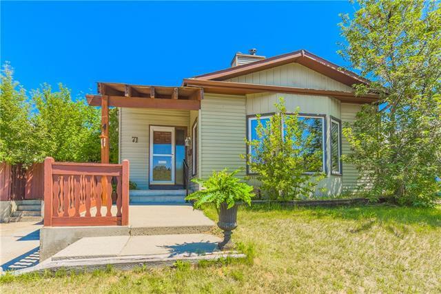 71 Deerfield Circle SE, Calgary, AB T2J 6L7 (#C4195921) :: Calgary Homefinders