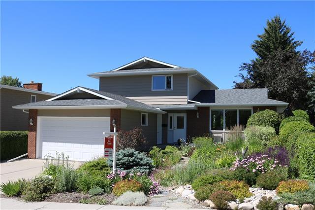 604 Dalmeny Hill(S) NW, Calgary, AB T3A 1T6 (#C4195951) :: Calgary Homefinders