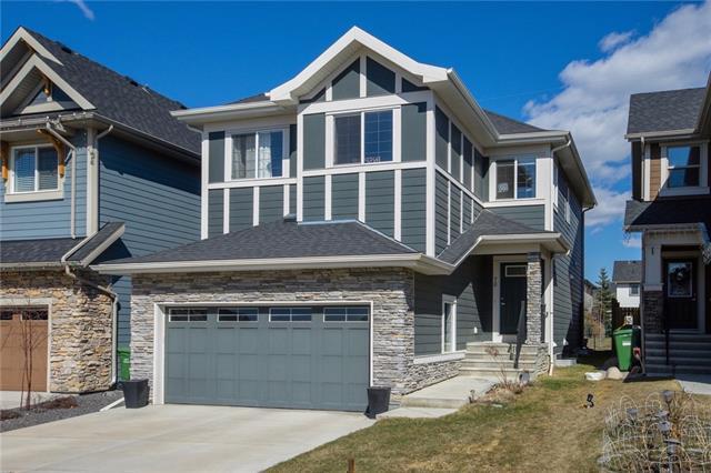 70 Valley Pointe Way NW, Calgary, AB T3B 6B1 (#C4195954) :: Calgary Homefinders