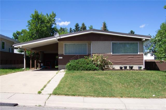 804 Hunterhaven Road NW, Calgary, AB T2K 4K5 (#C4195972) :: Carolina Paredes - RealHomesCalgary.com