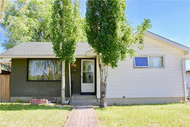 2616 40 Street SE, Calgary, AB T2B 1C2 (#C4195981) :: Tonkinson Real Estate Team